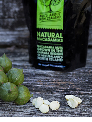 NATURAL MACADAMIA PIECES 500g